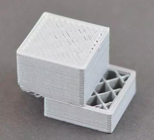 当3D打印模型出现层错位时该怎么做?