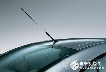 上图给大家看的,不是汽车后挡风玻璃,也不是电加热系统的金属丝