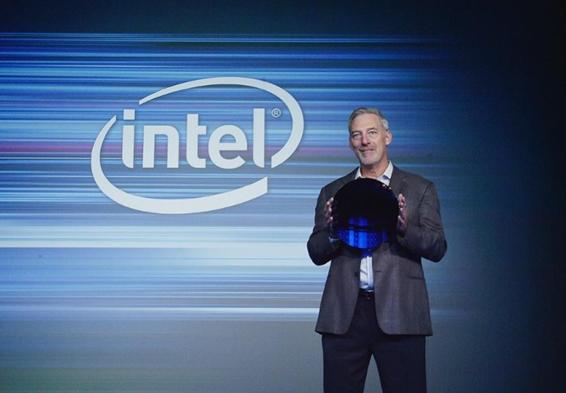 英特尔制造日还推出了64层3D NAND SSD