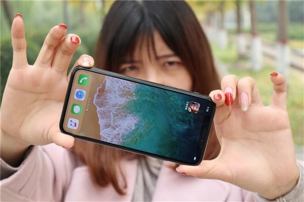 """苹果富士康确认""""血汗工厂"""":18岁少女被迫组装iPhone X"""