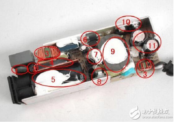 电源适配器拆开方法及维修步骤