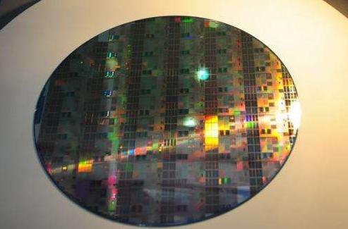 芯电易:三星半导体龙头将不保;12英寸硅晶圆缺货持续至明年