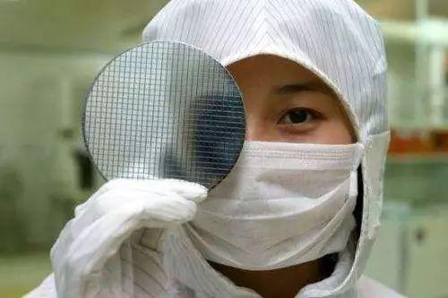 白宫内部报告,揭露美国打压中国芯片行业内幕