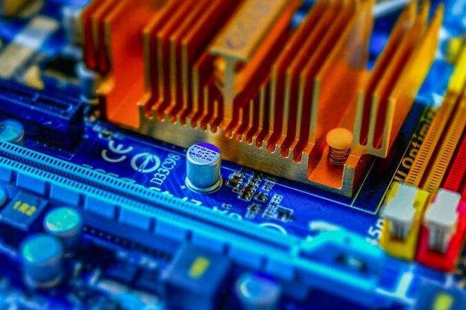 应用需求爆发 芯片行业迎成长拐点