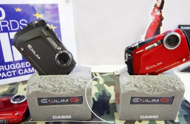 自拍神器不再神奇!这个巨头的卡片相机业务面临败退