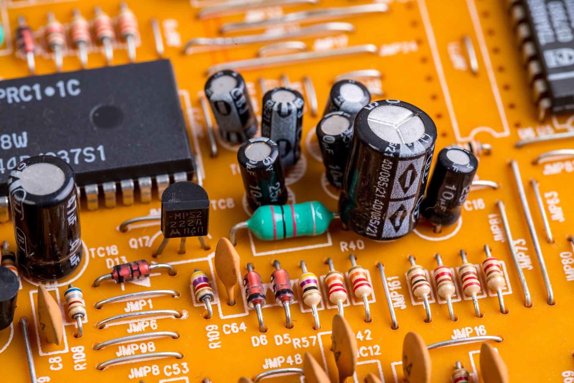 Vishay推出高效80 V MOSFET,��通�阻�c��O�荷乘�e即��值系�颠_到同��a品最佳水平