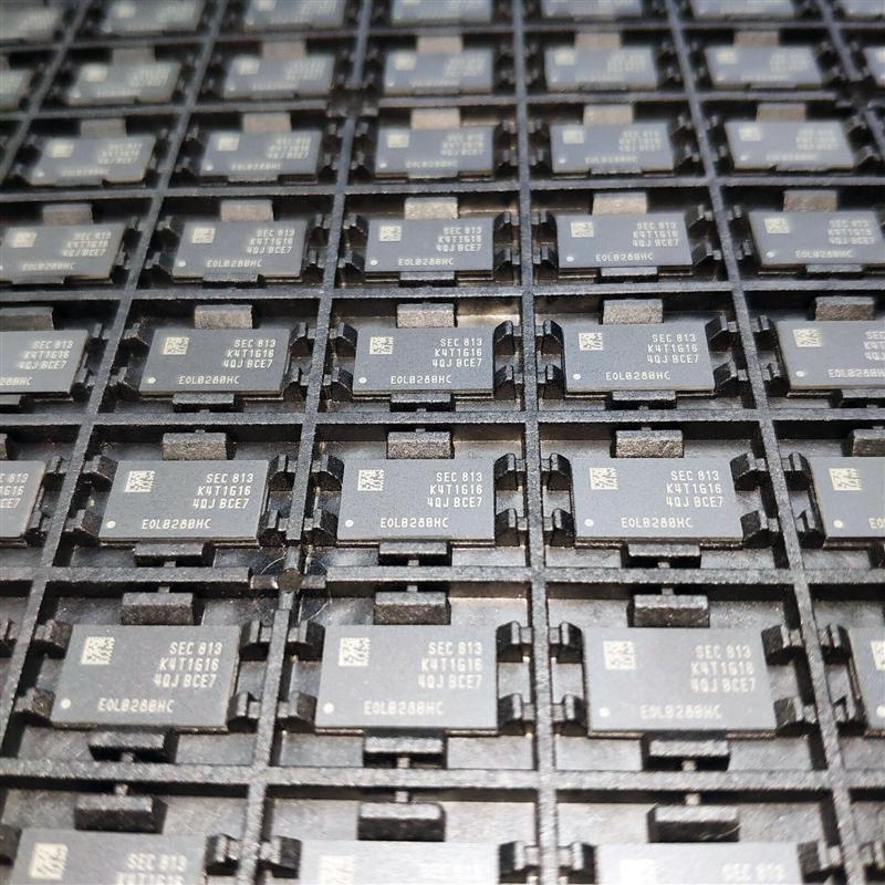 原装正品特价热卖K4T1G164QJ-BCE7 DDR2 64*16 1G 内存芯片
