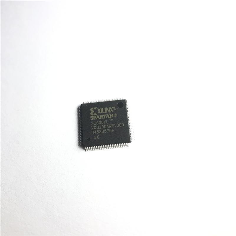 XCS05XL-4VQG100C