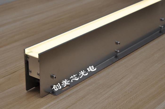 带不锈钢独立预埋件线性地埋灯
