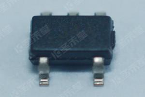 MIC5233YM5-TR